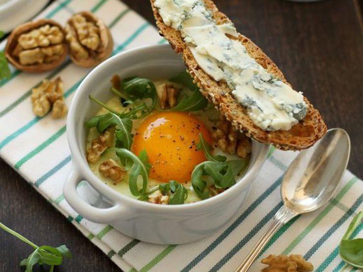Super simple et super gourmand, à la rédac', on adore les oeufs cocotte ! Au fromage, à la ratatouille, au bacon... ils sont personnalisables à l'infini...