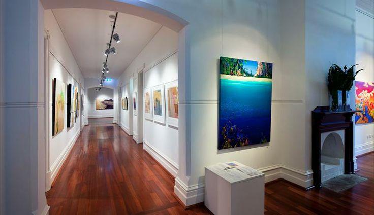 SUBIACO.  Art Gallery Lighting iGuzzini Primopiano Professional LED Lighting (by other)  Location: Linton & Kay Art Gallery Subiaco, Western Australia.