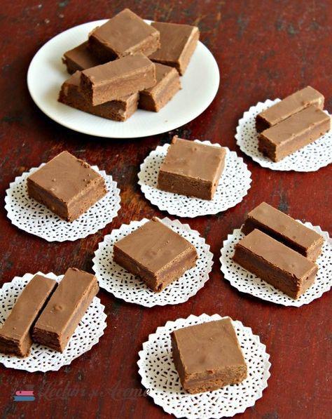 Ciocolată de casă cu lapte praf. Ciocolată de casă, batonul copilăriei. Ciocolată făcută în casă din lapte praf, unt, zahăr, apă cacao.