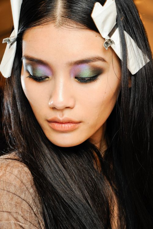 Oooooooh: Makeup Contours, Eye Makeup, Makeup Looks, Roberto Cavalli, Eyemakeup, Fashion Trends, Green Eye, Beautiful Trends, Pat Mcgrath
