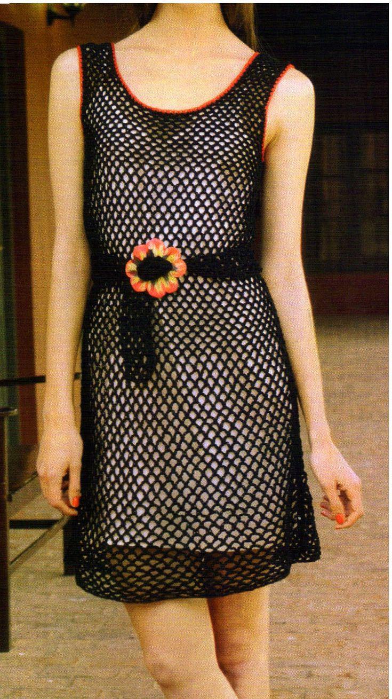 los motivos de este vestido se achican al subir para darle esa forma tan sentadora....ademas, una faja en la cintura para finalizar el esti...