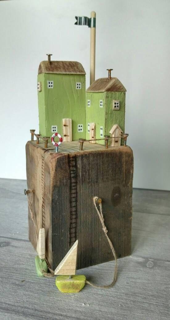 Diese aus nordischem Holz und Metall gefertigte K … – #aus #Dieser #gefertigte