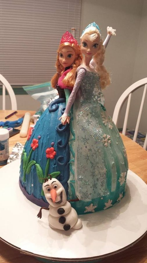 """Frozen"" Ana and Elsa doll cake. All buttercream with fondant accents."
