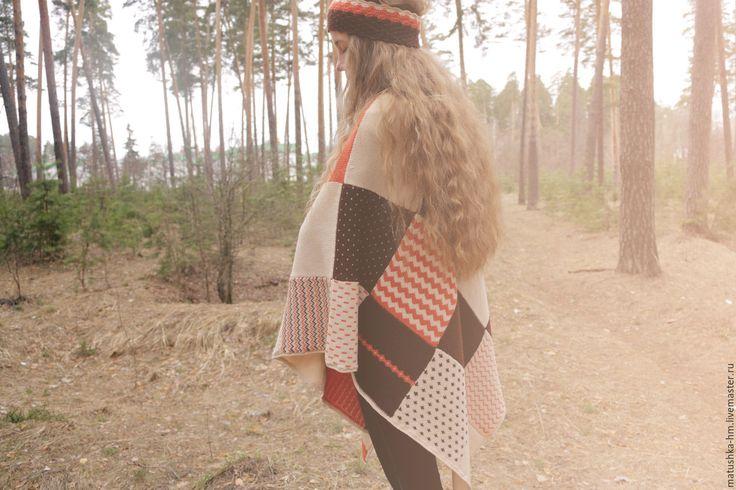 Купить Вязаное пончо в стиле печворк - комбинированный, абстрактный, пончо, вязаное пончо, пончо купить