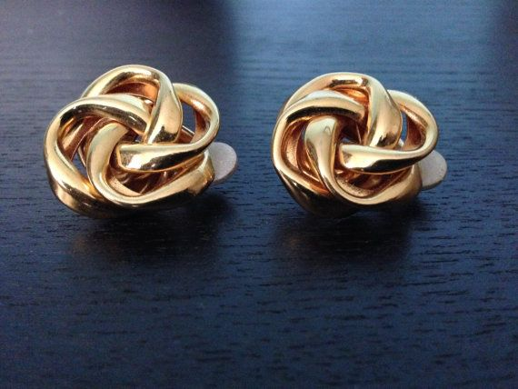 Gold Earring/  Vintage Earring on Etsy, $30.00