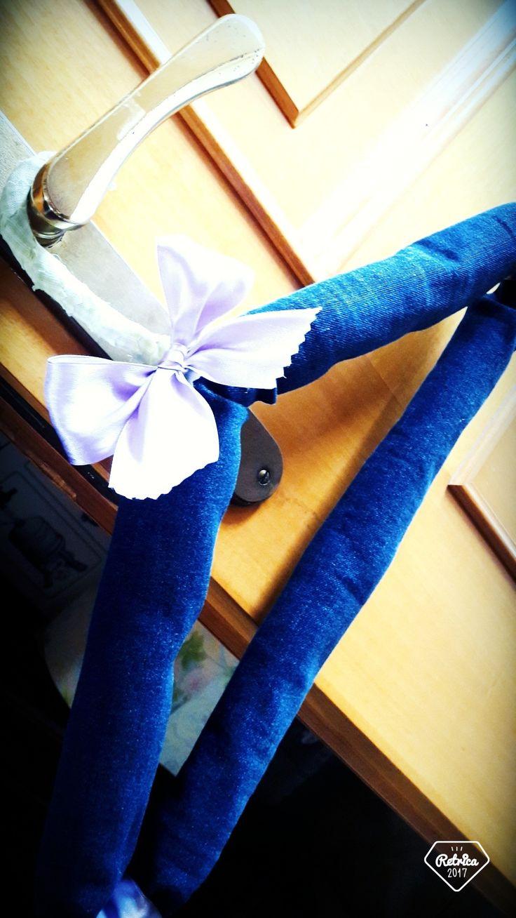 Alternativa ai soliti appendino in metallo...riciclo jeans