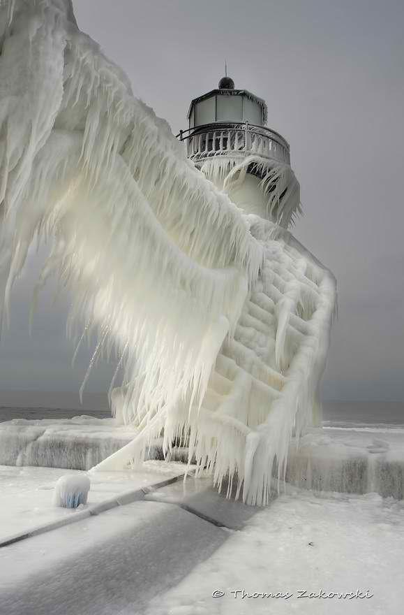 frozen lighthouse Wow!