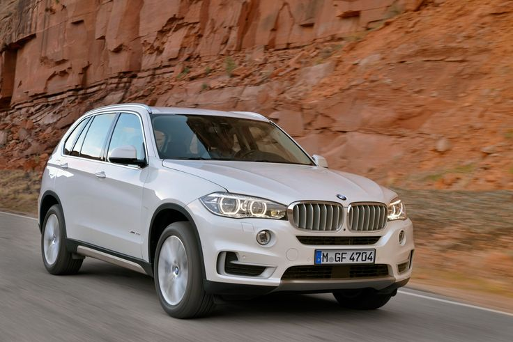 The all new BMW X5. The vehicle that launched an entire segment set to enter its 3rd generation again setting the standard for luxury, versatility and driving dynamics. #BMW #X5 #Beautiful #Photos