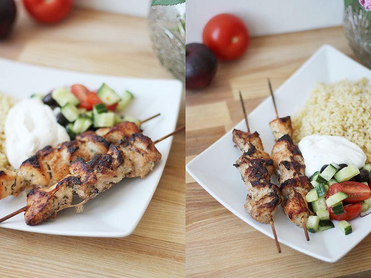 My Kitchen Stories - Saftiga kycklingspett med myntasås http://mykitchenstories.se/2016/february/saftiga-kycklingspett-med-myntasas.html