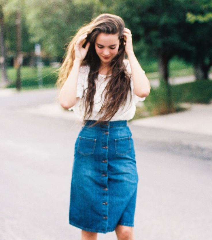 Model is 5'10 wearing size SMALLHigh-waisted button front skirt100% Organic…