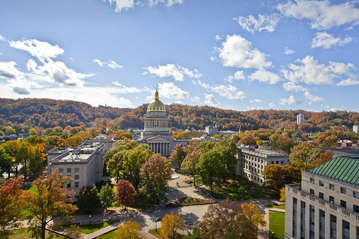 Picture of the State Capitol in Charleston, West Virginia