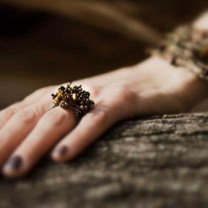 En pärlring från Guate!Guate - säljs i Sverige av Masomenos. #ring #modesmycke #design #accessoarer