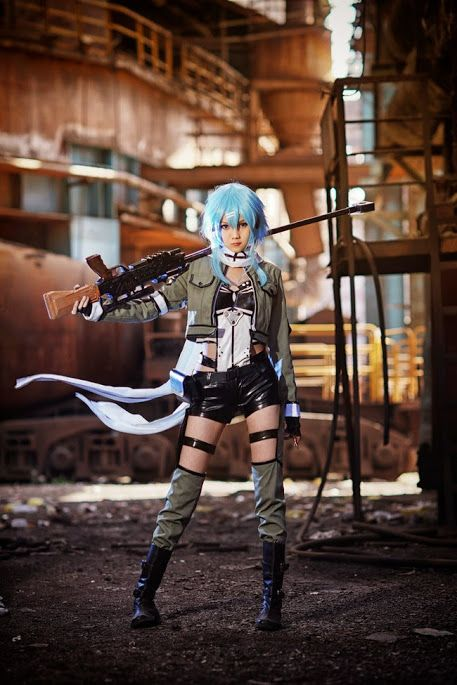 Damn I wish I could have a cosplay party then I would be sinon xD