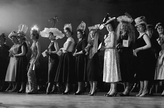 Hat competition, Paris 1956