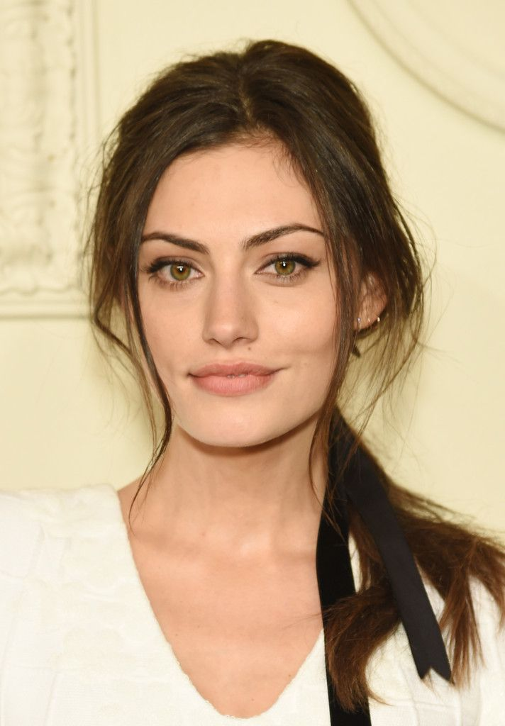 CHANEL Paris-Salzburg 2014/15 Metiers d'Art Collection - Phoebe Tonkin