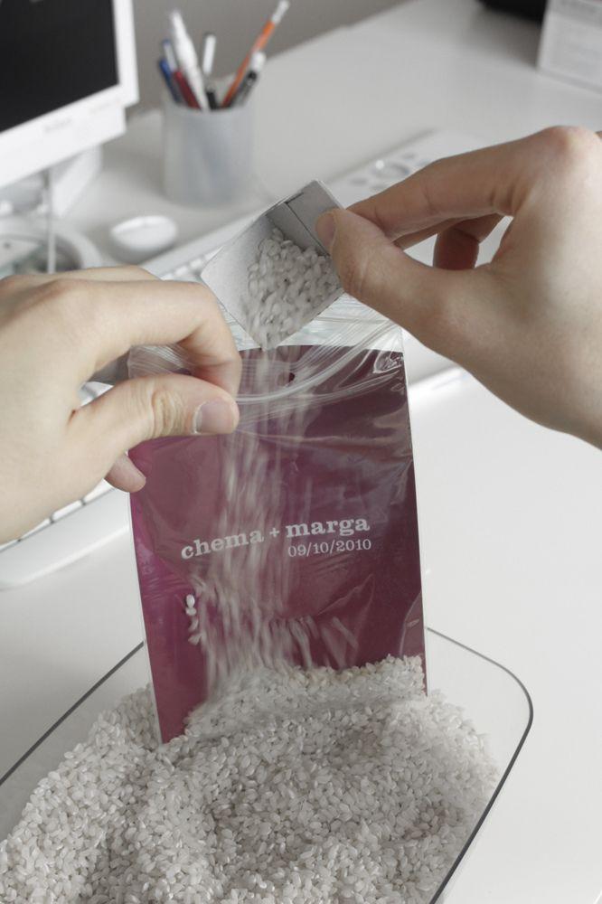 """Bolsitas de arroz para bodas by """"la caja de tipos"""""""
