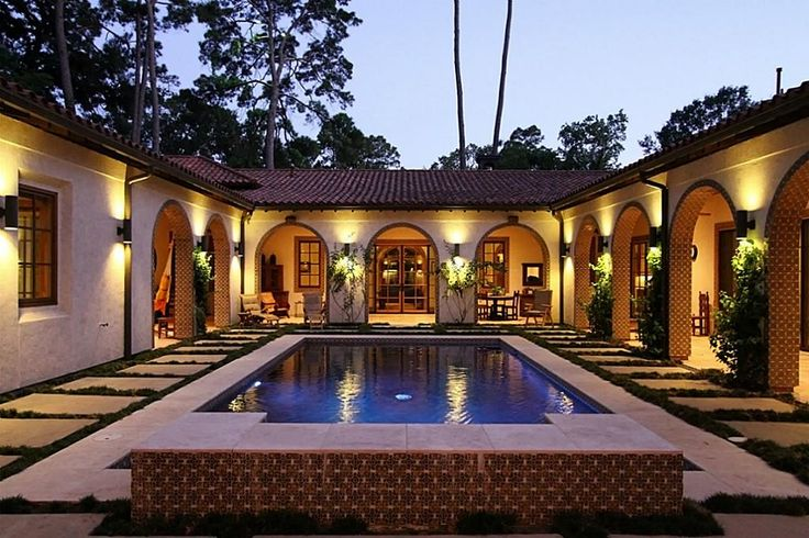 Interior courtyards google search you 39 re in you 39 re for Courtyard house plans with pool