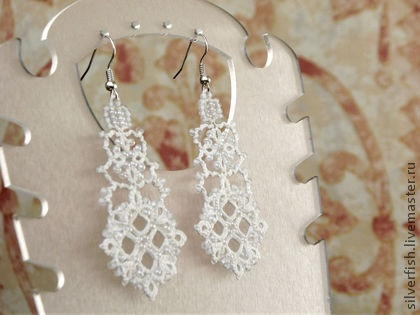 """White Queen"" tatted lace earrings Kateryna Levchenko"