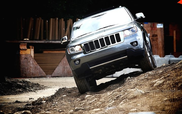 Jeep Grand Cherokee on the course.  Facebook: https://www.facebook.com/JeepCanada  Twitter: https://twitter.com/jeepcanada