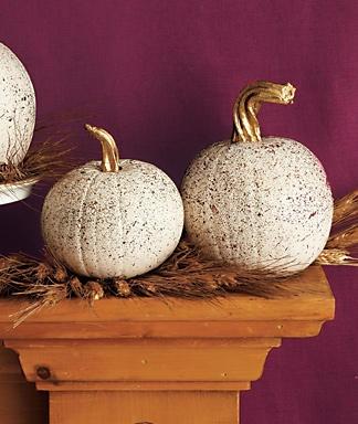 Splatter pumpkins: Fall Pumpkin, Painting Pumpkin, Decor Ideas, Fall Decor, Holiday Centerpieces, Painted Pumpkins, Splatter Painting, White Pumpkin, Pumpkin Painting