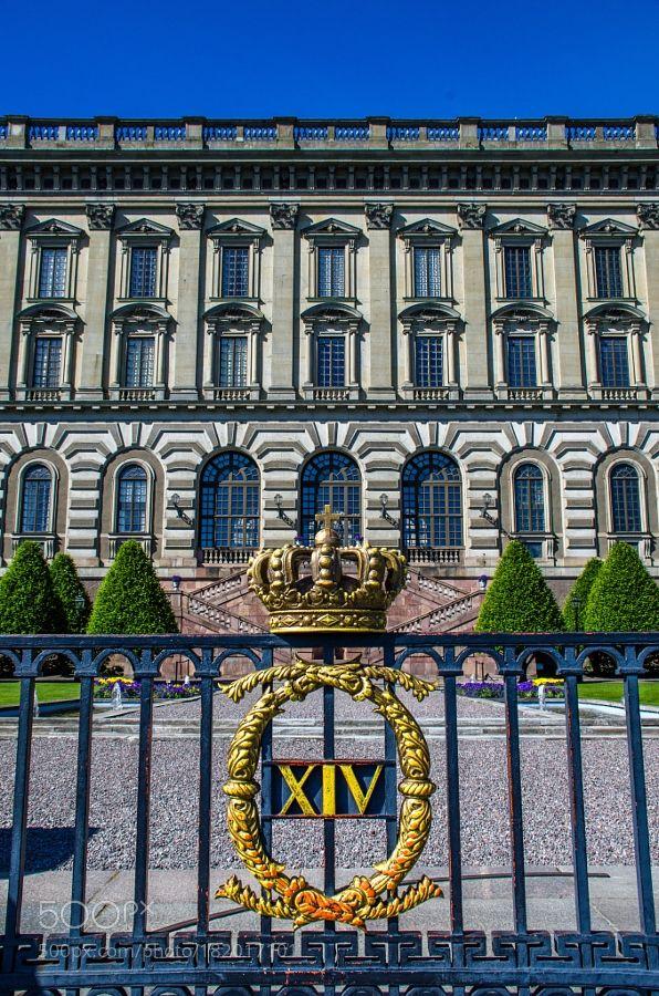 http://500px.com/photo/182017101 Golden Crown by chriswtaylor -Stockholm Sweden.. Tags: treesoldgoldfencepalacecrownhistoricwealthroyaltyregalSwedenStockholmStockholm Palace