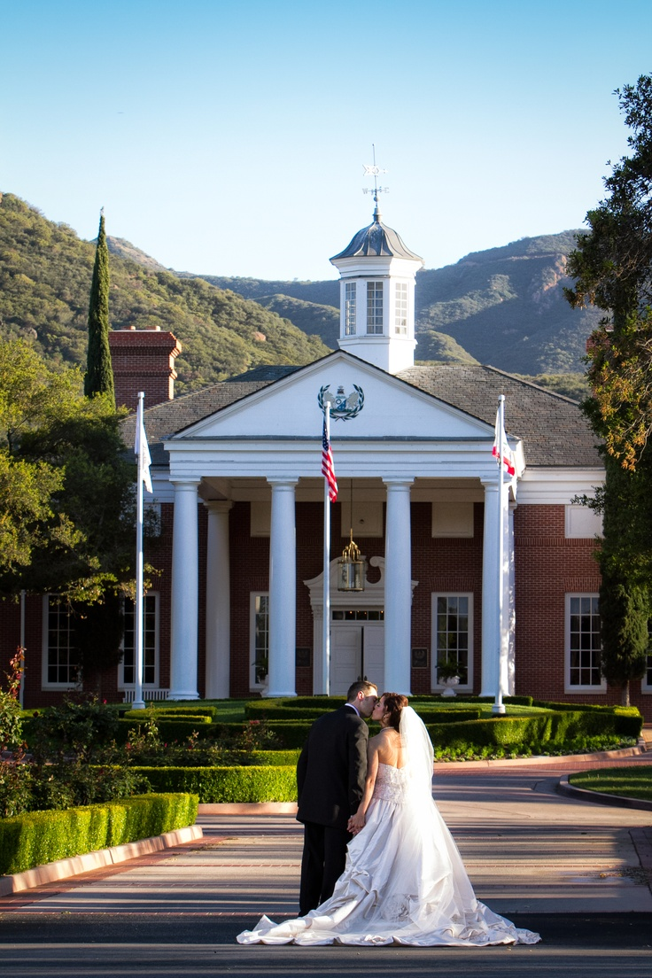 ... com/pages/Sherwood-Country-Club-Events-Weddings/120564331343926?ref=hl