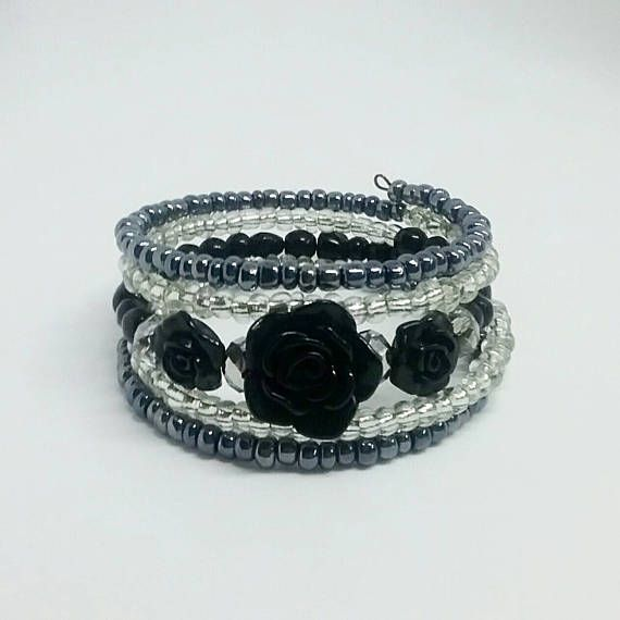 Retrouvez cet article dans ma boutique Etsy https://www.etsy.com/ca-fr/listing/538193689/collier-papillon-collier-noir-collier