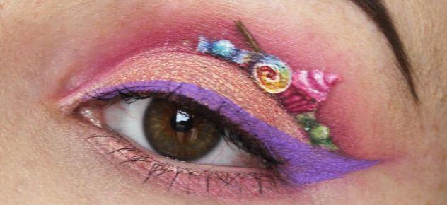 Wij zijn al blij als we een beetje met eyeliner uit de voeten kunnen, maar deze Australische visagiste maakt van haar oogleden de prachtigstekunstwerkjes! Vlinders, bloemen, woeste watergolven, zelfs complete hamburgermenu's schildert Georgina Ryland op haar oogleden. Ook haar lippen tovert ze om tot ware kunstwerkjes. En niet zonder resultaat: de visagiste heeftal meerdere prijzen…