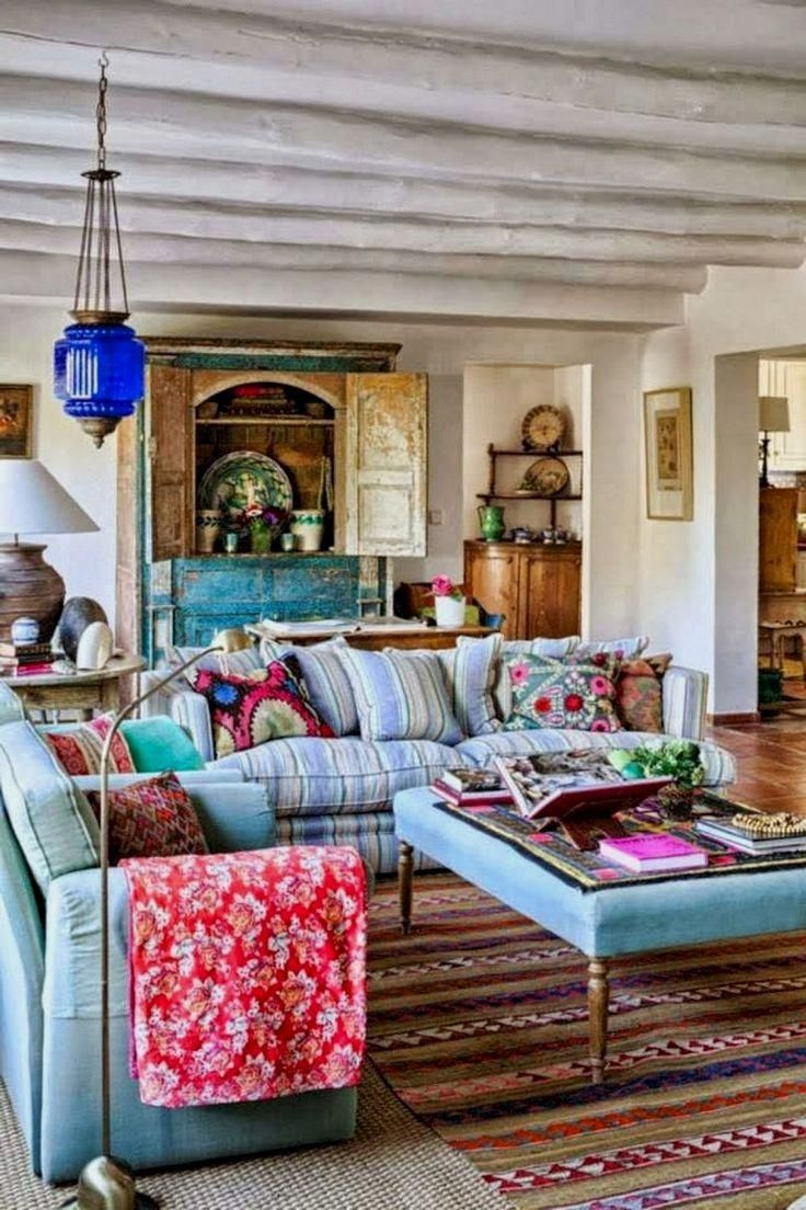 Shabby Chic Bohemian Interiors (2020) | Eclectic living ...
