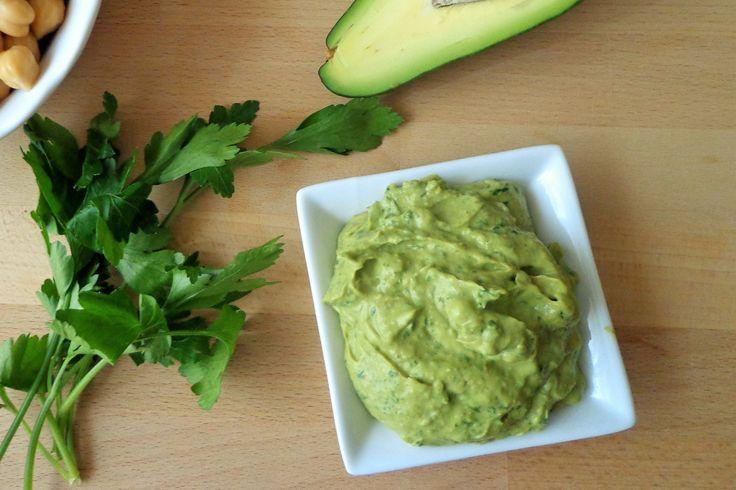 Hummus di ceci e avocado