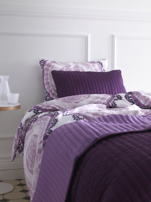 Layer on the style and comfort with coordinating duvets, bedspreads and throws.