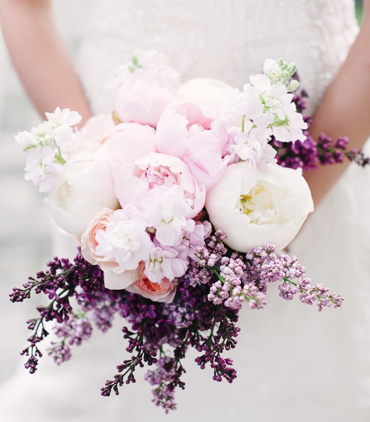 Delicate Wedding Bridal Bouquets to Make You Wow. To see more: http://www.modwedding.com/2014/03/28/delicate-wedding-bridal-bouquets-to-make-you-wow/ #wedding #weddings #bouquet Photo: Brklyn View Photography