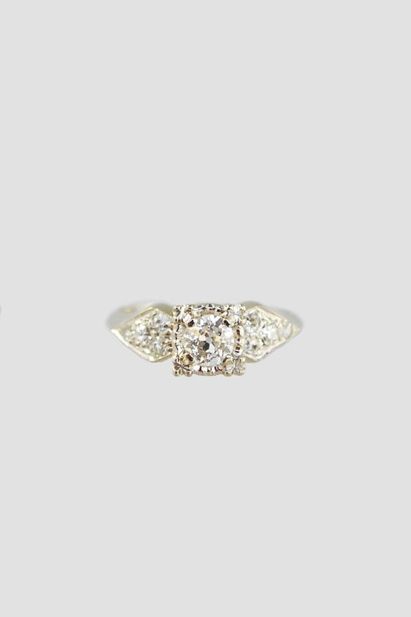 1940's engagement ring at Metier