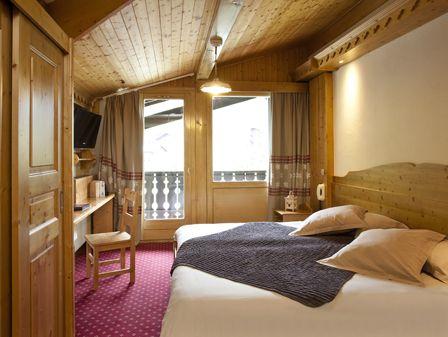 4* Hotel le Petit Dru in Morzine Portes du Soleil. Available for short ski breaks and full weeks.
