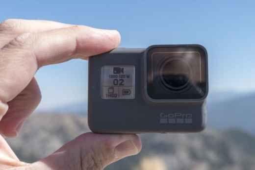 GoPro Hero5 Black: la migliore action camera sul mercato Sei un appassionato di sport estremo? Hai la necessità di filmare i tuoi video mentre fai pesca subacquea? Niente di meglio che acquistare la GoPro Hero5 Black. Si tratta dell'ultima action camera de #goprohero5 #gopro #actioncamera