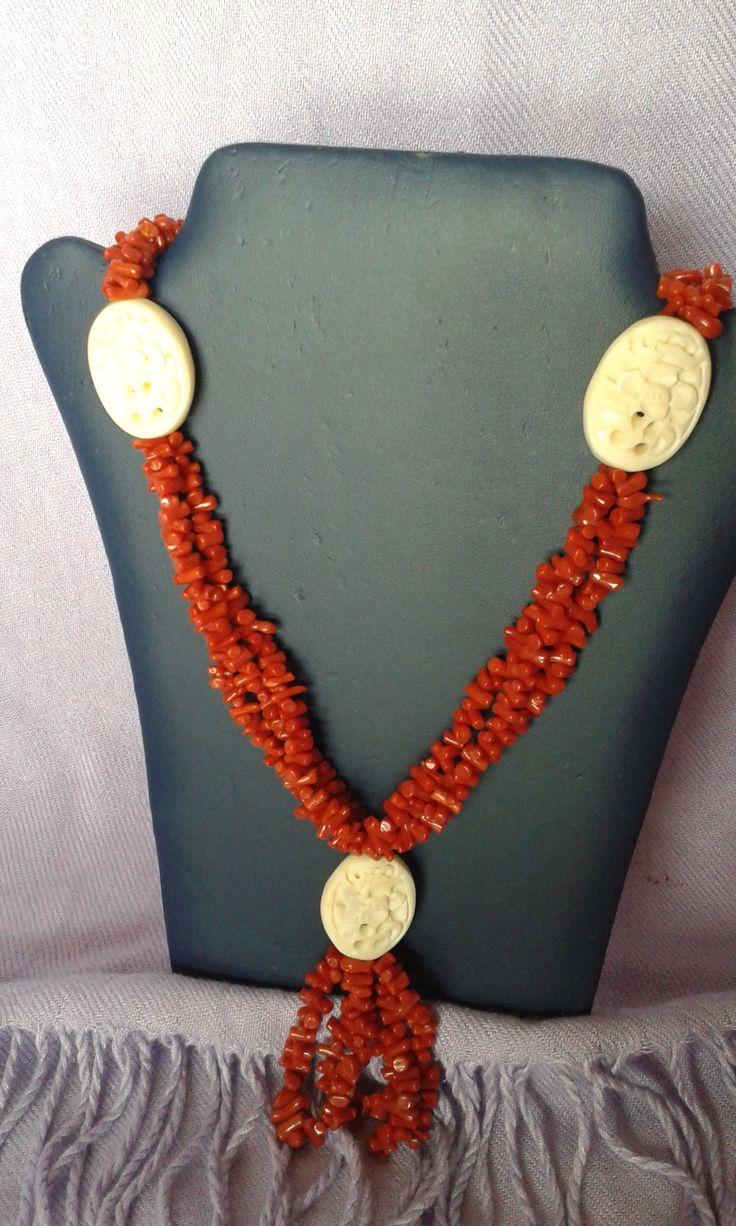 collana corallo con corno intarsiato  chiusura in argento lunghezza 53 cm