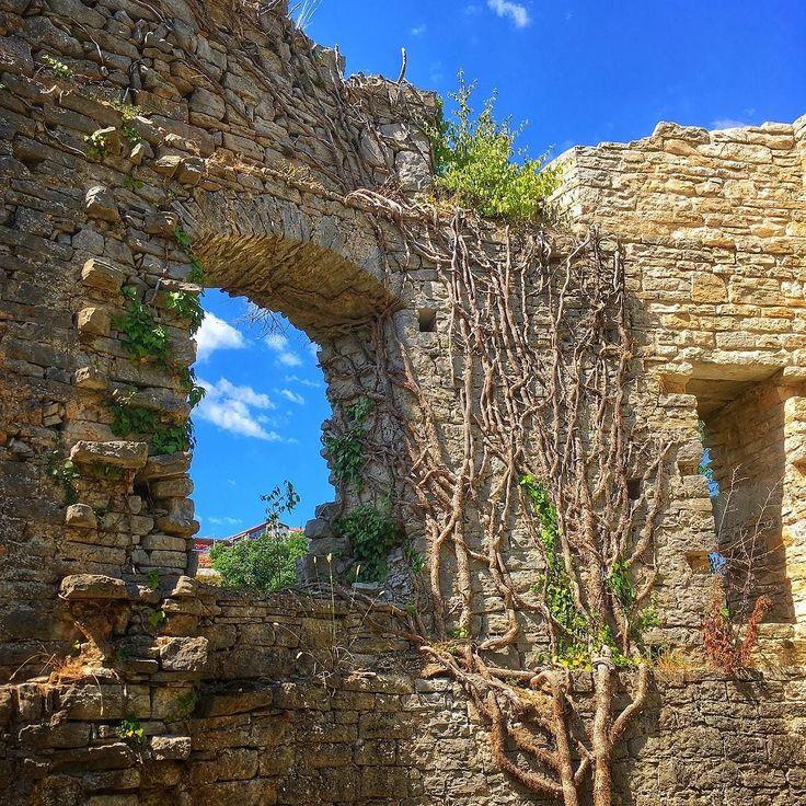 Giorno 15: in visita a #pisino e al suo #castello #happylittlecaravan #hrvatska #croazia #sky #blu #pazin