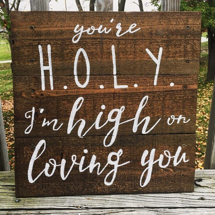 You're HOLY, I'm high on loving you. I love this Florida Georgia Line song so naturally it was next on my project list. #parkwoodpallets