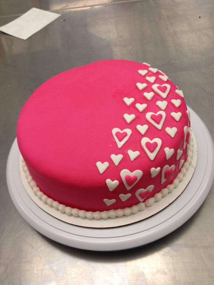 Cake Ideas Using Fondant : pink fondant heart cake Cake Ideas