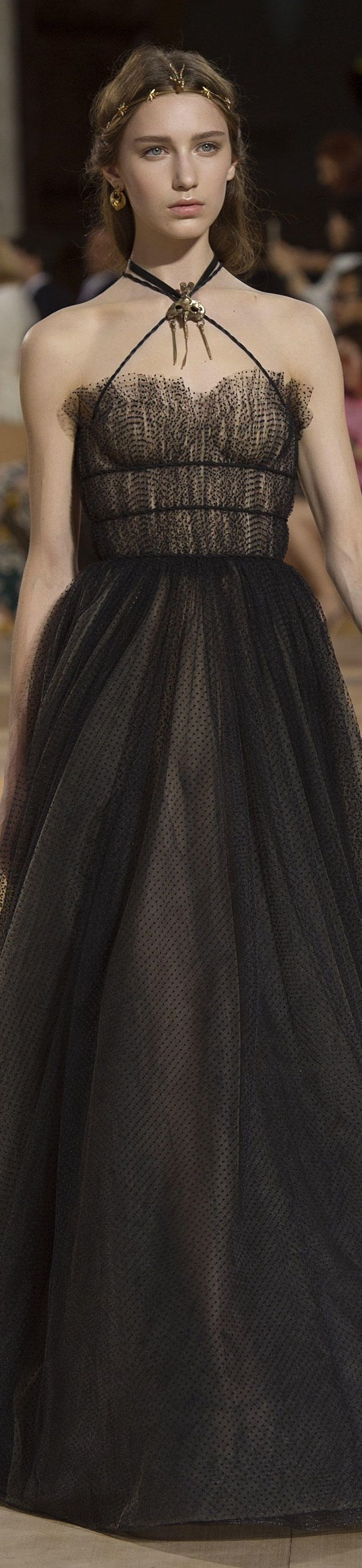 Valentino Fall/Winter 2015-2016 Haute Couture MASTERPIECE! Black vintage, creative inspiration...