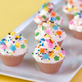 birthday cupcake jello shots...and my birthday is conveniently in less than a month!