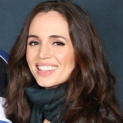 Eliza Dushku (American, Film Actress) was born on 30-12-1980. Get more info like birth place, age, birth sign, biography, family, upcoming movies & latest news etc.