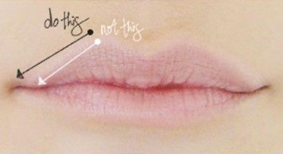 how-to-line-lips-kylie-jenner-tutorial