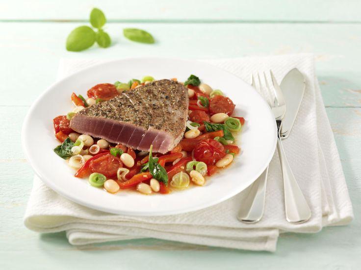 Das leckere Rezept für Thunfisch in der Pfefferkruste auf geschmolzenen TomatenRezepte und weitere Diät Rezepte entdecken auf precon.de