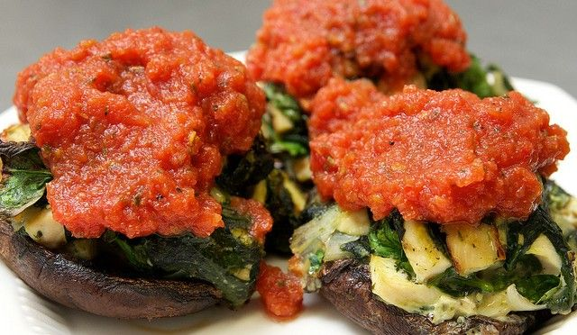 THE TOP PALEO AND PRIMAL RECIPES http://www.1finding.com/the-top-paleo-and-primal-recipes-of-2013/