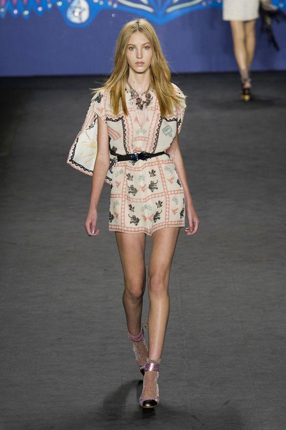 NY FW S/S 2015 Anna Sui. See all fashion show at: http://www.bookmoda.com/?p=29060 #spring #summer #ss #fashionweek #catwalk #fashionshow #womansfashion #woman #fashion #style #look #collection #NY #annasui @worldofannasui