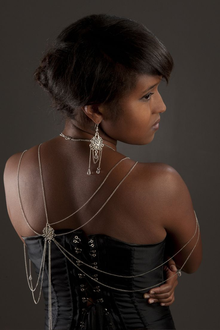 Photography: alain Malfilatre Model: Nabiha Lecocq Stylism: Yinco