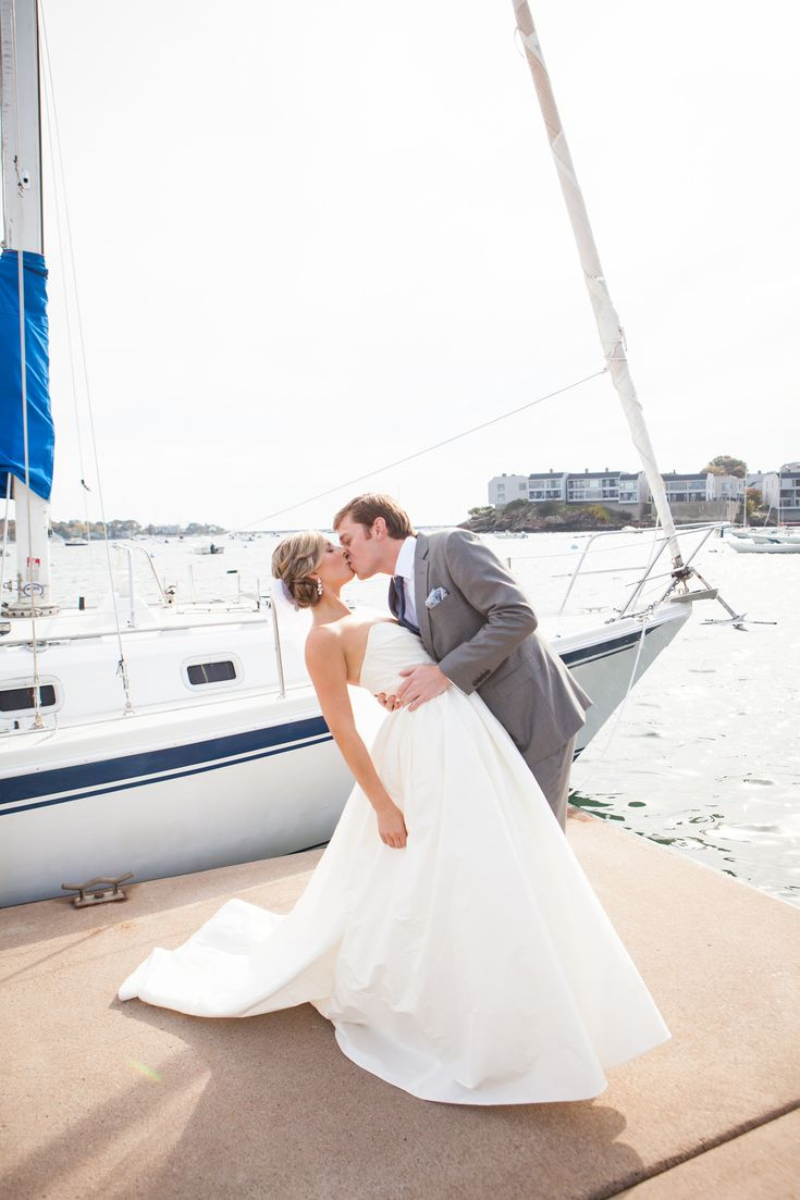 Photography: Studio Nouveau  | Nautical marblehead wedding at the boston yacht club