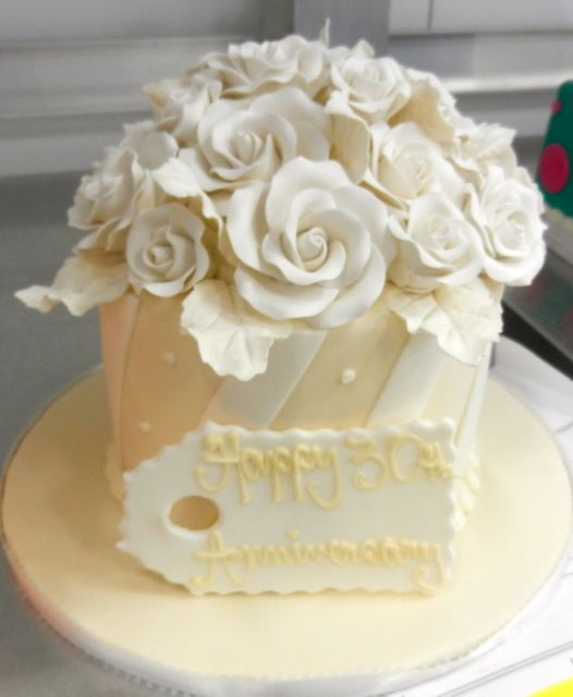 101 Best Images About Anniversary Cakes On Pinterest