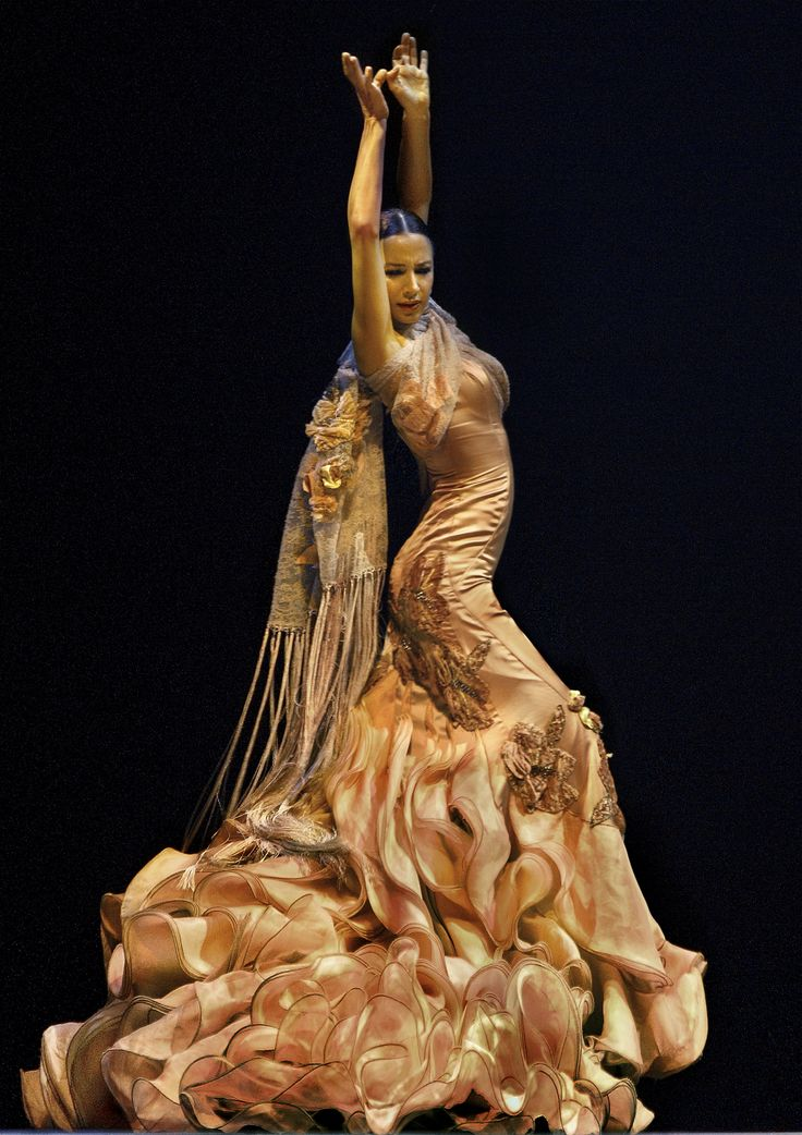 Con toda la voluptuosidad flamenca, Cayetana trae el zapateo y las palmas que tanto caracterizan a España. Foto: Cortesía Festival Iberoamericano de Teatro de Bogotá